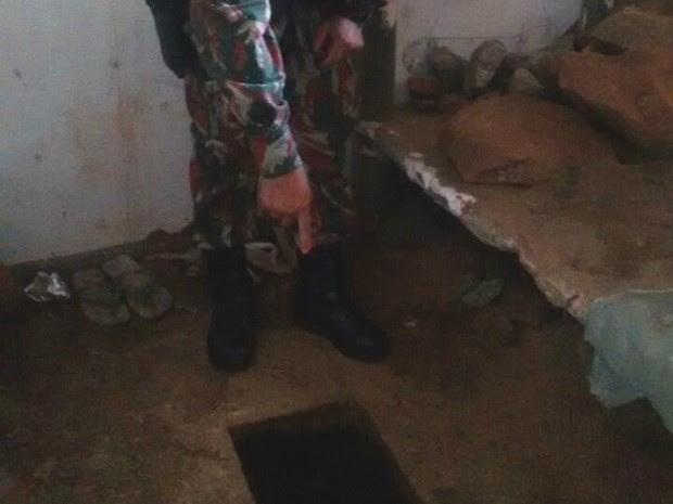 Buraco de túnel é descoberto na Penitenciária de Caicó, RN (Foto: Divulgação)