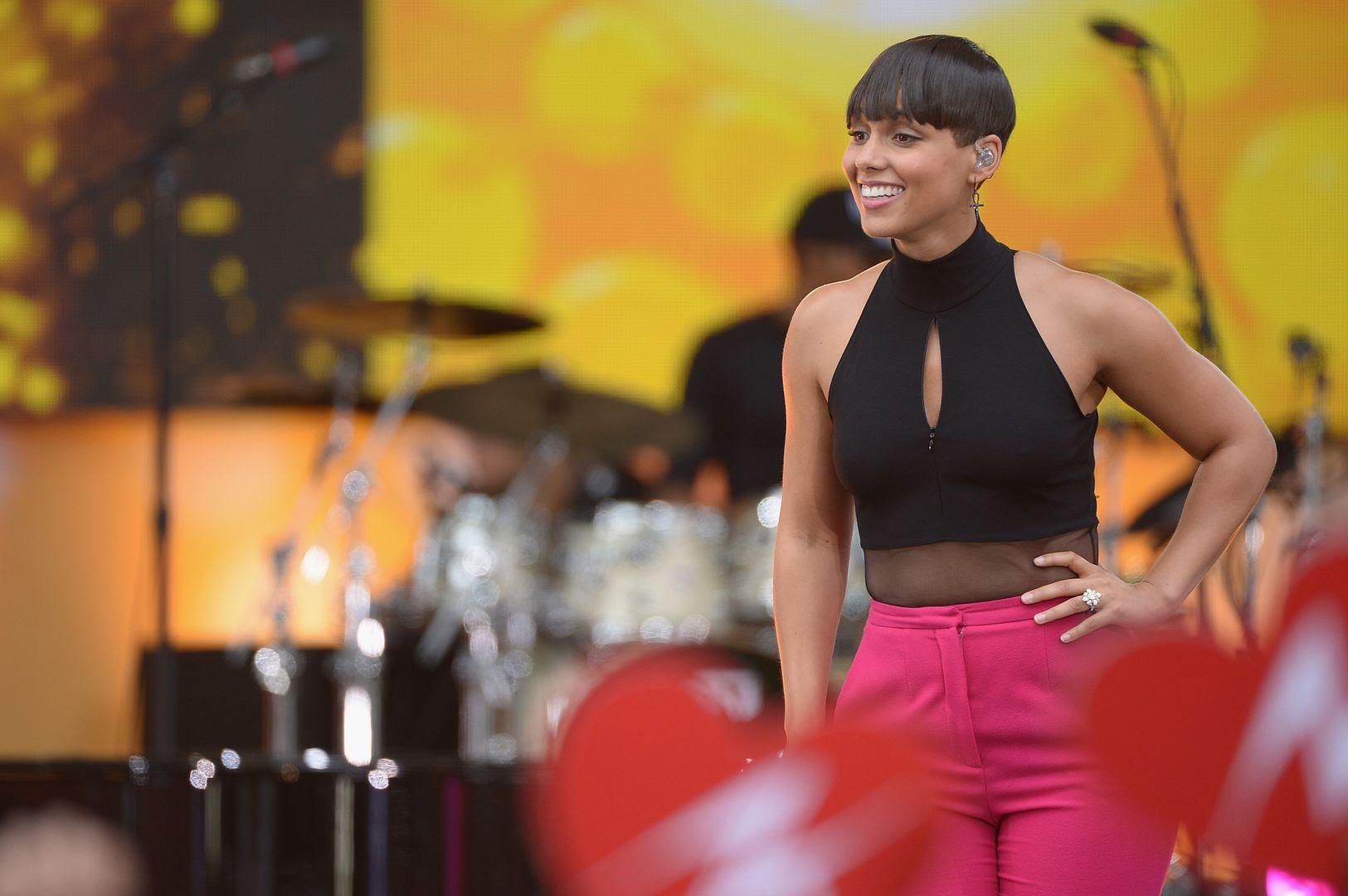 Alicia Keys : GMA (August 2013) photo 178661037.jpg