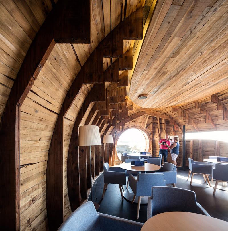 Cella Bar by FCC Arquitectura and interior designer Paulo Lobo