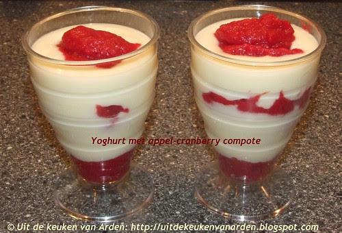 Yoghurt met appel-cranberry compote