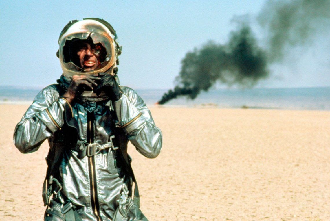 "Shepard, como Chuck Yeager en ""The Right Stuff"" (1983)"