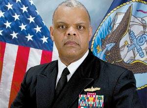 O contra-almirante Harris, da 4ª Frota dos EUA