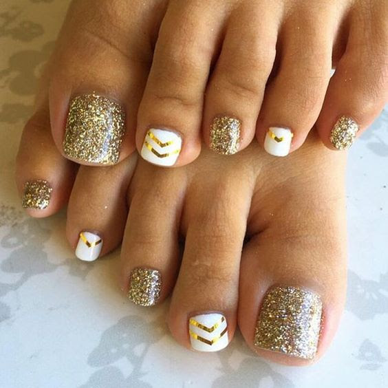 20 Adorable Easy Toe Nail Designs 2021 Simple Toenail Art Designs Pretty Designs