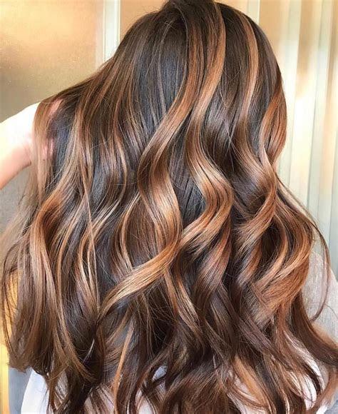 couleur de cheveux brun meche caramel coiffures cheveux