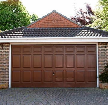 5 Signs It S Time To Replace Your Garage Door Garage Door Installation Kalamazoo Mi