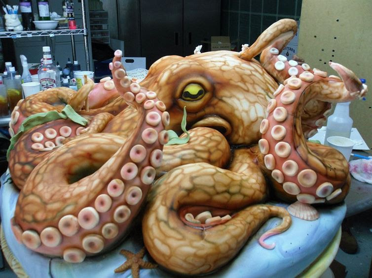 1. Устрашающе прекрасен! произведение, торт