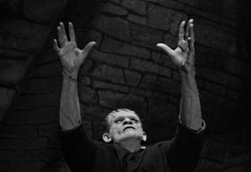 Frankenstein Center Boris Karloff