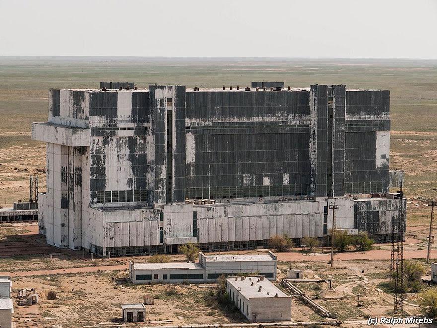 lanzaderas-sovieticas-buran-abandonadas-baikonur-ralph-mirebs (7)