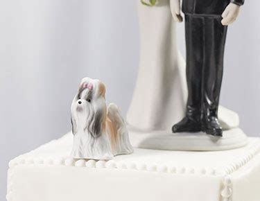 Wedding Cake Toppers: Figurines, Personalised   Confetti.co.uk