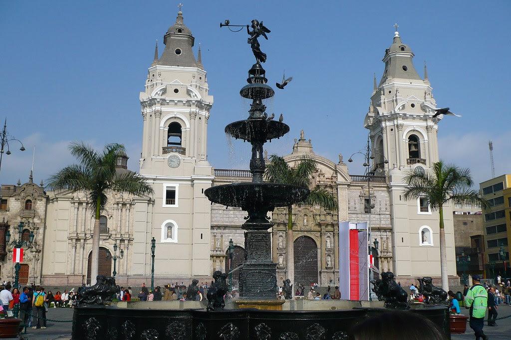 Fachada de la Catedral de Lima