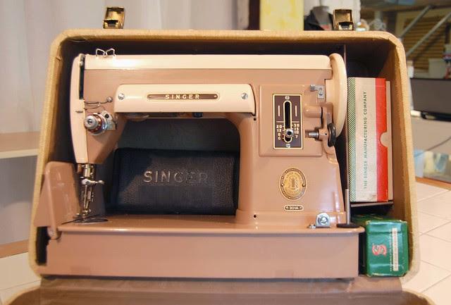 Singer 301 storage in case