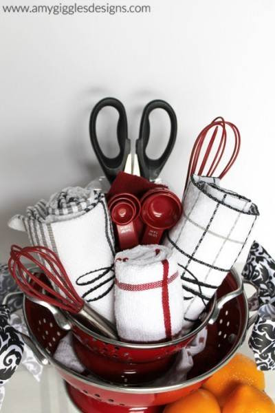 Gift Guide: 15 Perfect DIY Gift Basket Ideas » Curbly ...