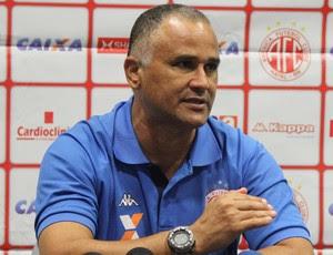 Oliveira Canindé - técnico do América-RN (Foto: Marcelo Montenegro)