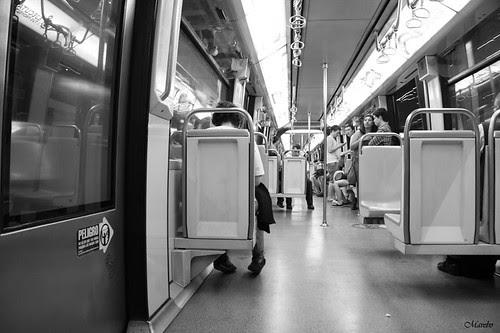 Metro desolado by Alejandro Bonilla
