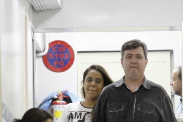 Apresentador e esposa procuram Damázio para descobrir quem deixou vazar a queixa