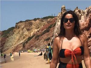 Dina Felix da Costa sensual nas redes sociais em tempos passados