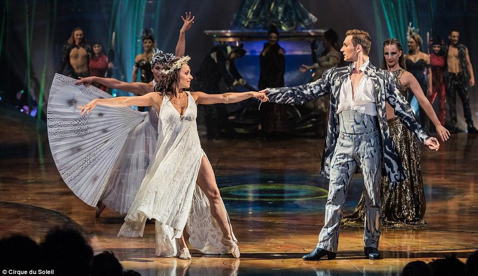 Ele abre no Royal Albert Hall em 16 de janeiro de 2016 e vai levar o público através de uma história vagamente baseado em Shakespeare A Tempestade