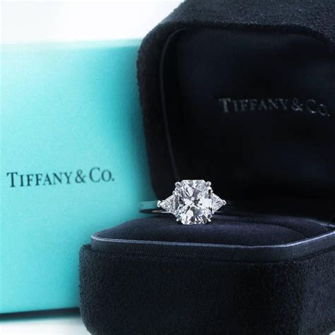 Tiffany and Co. 2.73 Carat Radiant Cut Diamond Gold 3