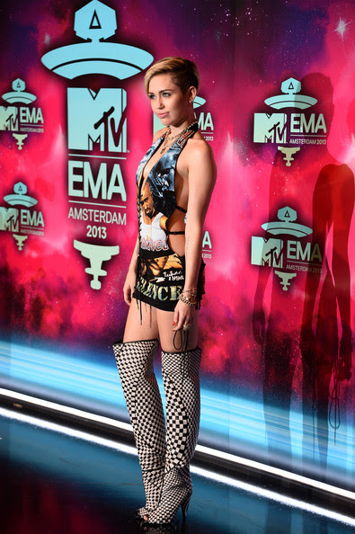 Miley Cyrus - MTV EMA's 2013 - Red Carpet Arrivals