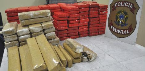 Droga estava escondida dentro de um caminhão que vinha de Goiás / Foto: Polícia Federal/Divulgação