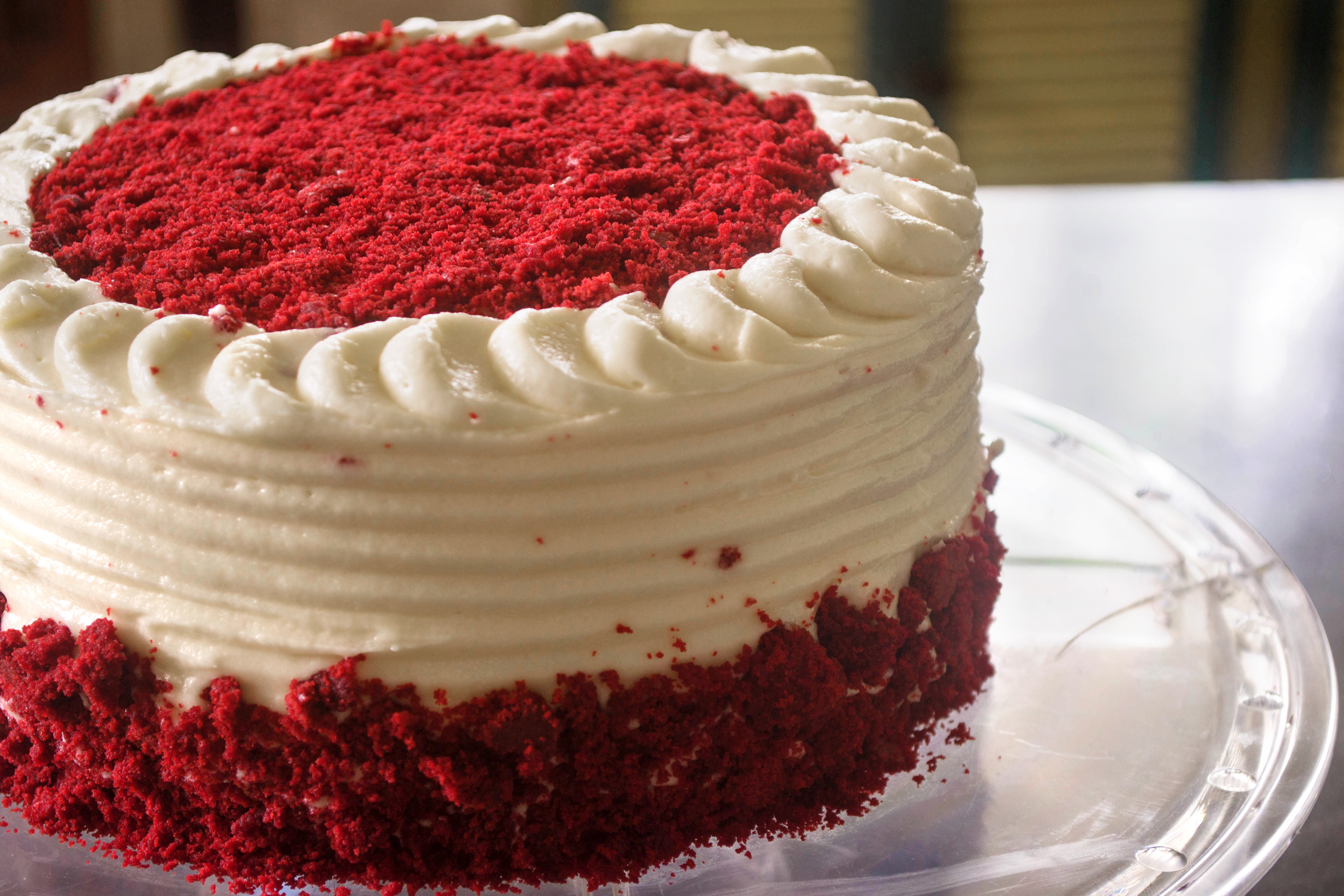 How to Decorate a Casual Cake in 20 Minutes: 8 Steps