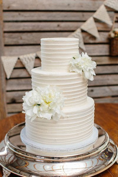 Simple buttercream wedding cake   Wedding Cake   Pinterest