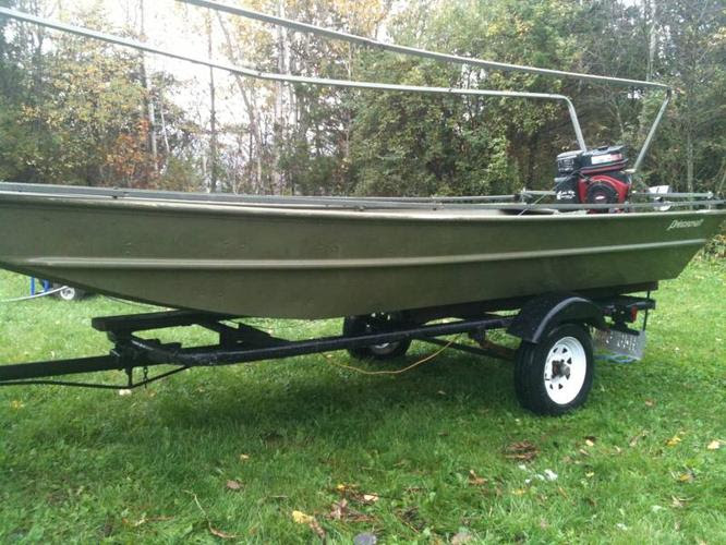 an ad price $ 3800 provice ontario city mallorytown type boats 15 foot