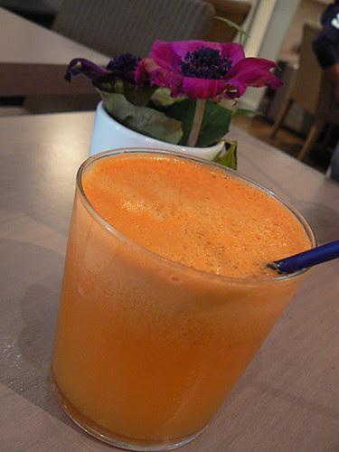 jus d'orange, carotte pomme gingembre.jpg
