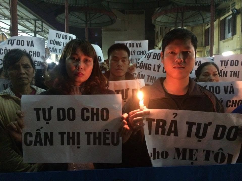 Trinh Bá Phương, Trịnh Bá Tư và Mai Thanh trong thánh lễ ngày 27-11 (ảnh; facebook Van Hai Nguyen)