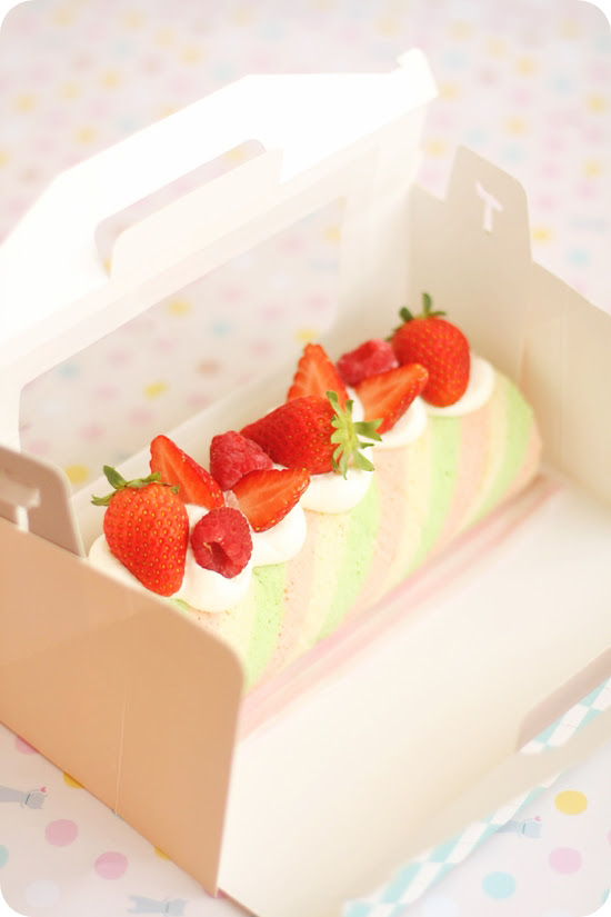 Spring Color Roll Cake 春色ロールケーキ