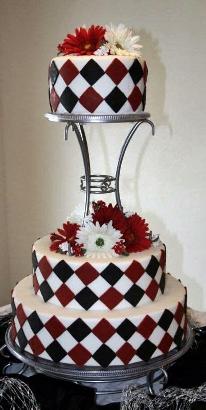 Red and black checkered ? Wedding cake ?   Nom Nom Board
