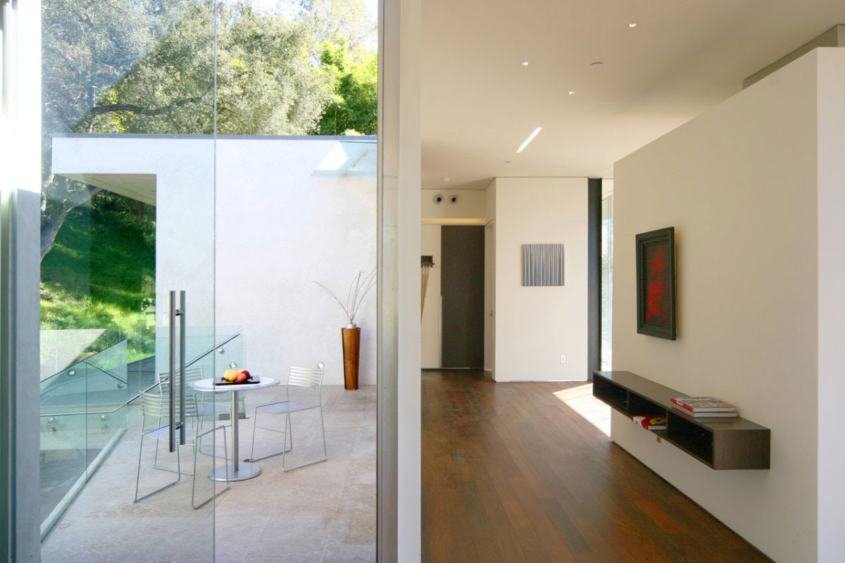 Minimalistic Residence in Beverly Hills