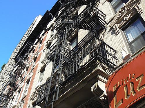 beau balcon près de Central park.jpg