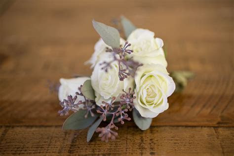 Boutonnieres & Corsages Gallery