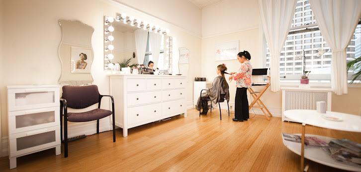 Makeup design studio