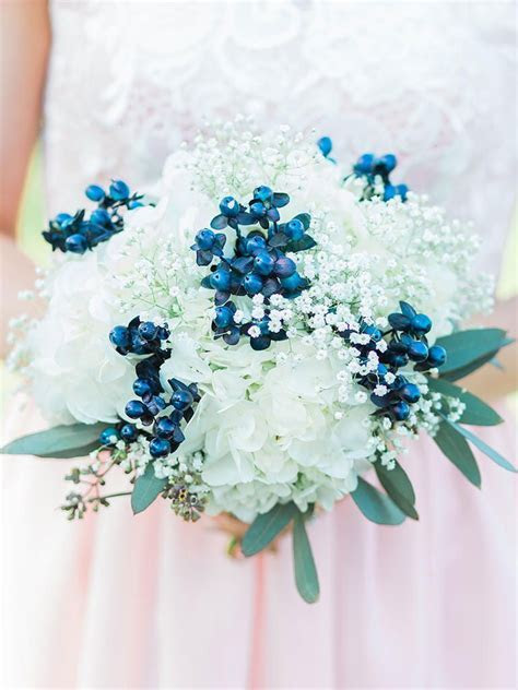 The Best Blue Wedding Flowers (and 16 Gorgeous Blue