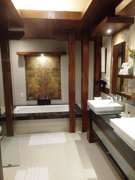 Sabang Room Bath