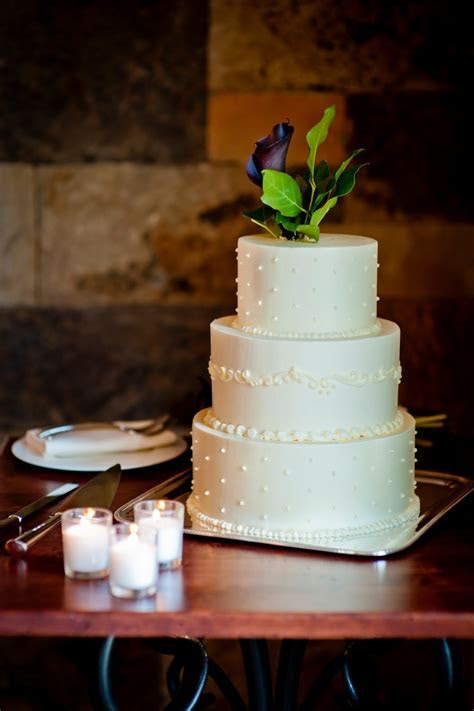 Simple & Elegant, this Three Tier cake is the sweetest