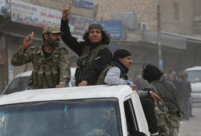 Milicianos del Ejército Libre Sirio, el pasado 24 de marzo en la ciudad de Afrin