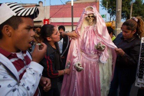 santa-muerte denunciou-by-vatican_67291_600x450
