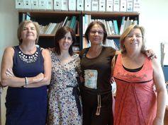 BIBLIOTECA DE ECONOMÍA, EMPRESA Y TURISMO,en el Campus de Guajara, algunas compañeras de la Biblioteca, ya sabes que nos puedes seguir en nuestro blog de http://bibliotecaeconomiaempresayturismo.blogspot.com.es/