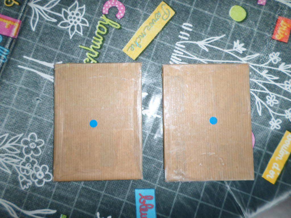 2 pastilles d'une même couleur : les tablettes ont bien le même grain