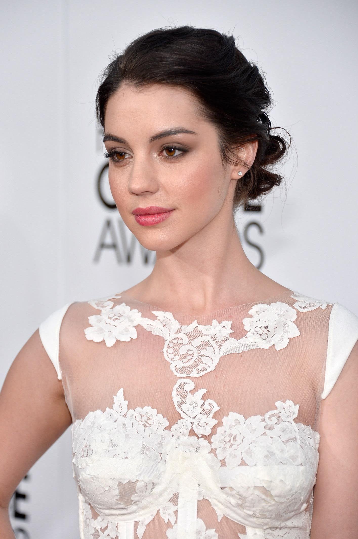 quot ADELAIDE KANE quot Luks Amazing In Skimpy White Dress