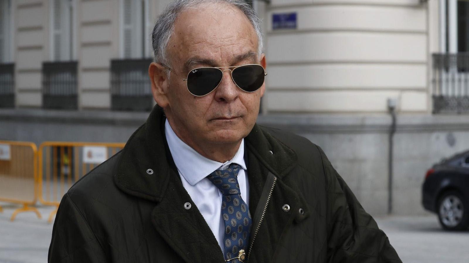 L'excap policial   Eugenio Pino ahir després de comparèixer davant del jutge.