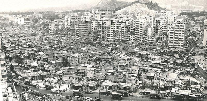 Como era viver na selvagem Kowloon, a cidade sem lei com a maior densidade populacional do planeta