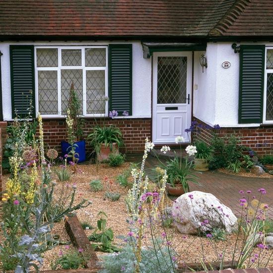 Front garden with planting in gravel | Garden design ...