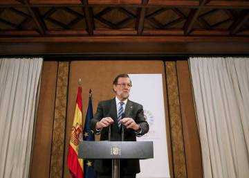 Spaniards flunk politicians on fight against corruption