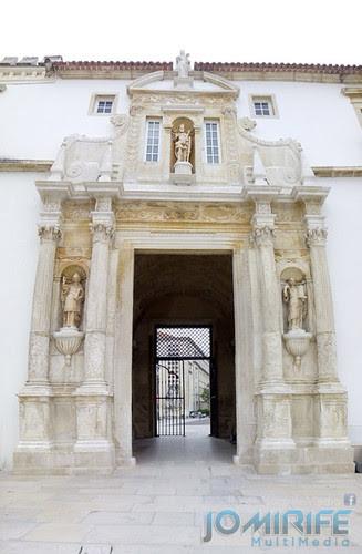 Porta Férrea da Universidade de Coimbra depois da restauração [en] Iron door of the University of Coimbra after restoration