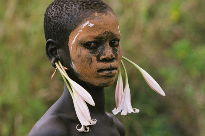 A beleza das Tribos Surma e Mursi, uma cultura em perigo, no sul de Etiópia 35