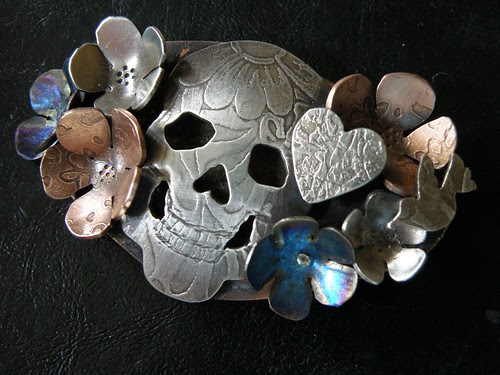 Day Of the Dead Brooch front